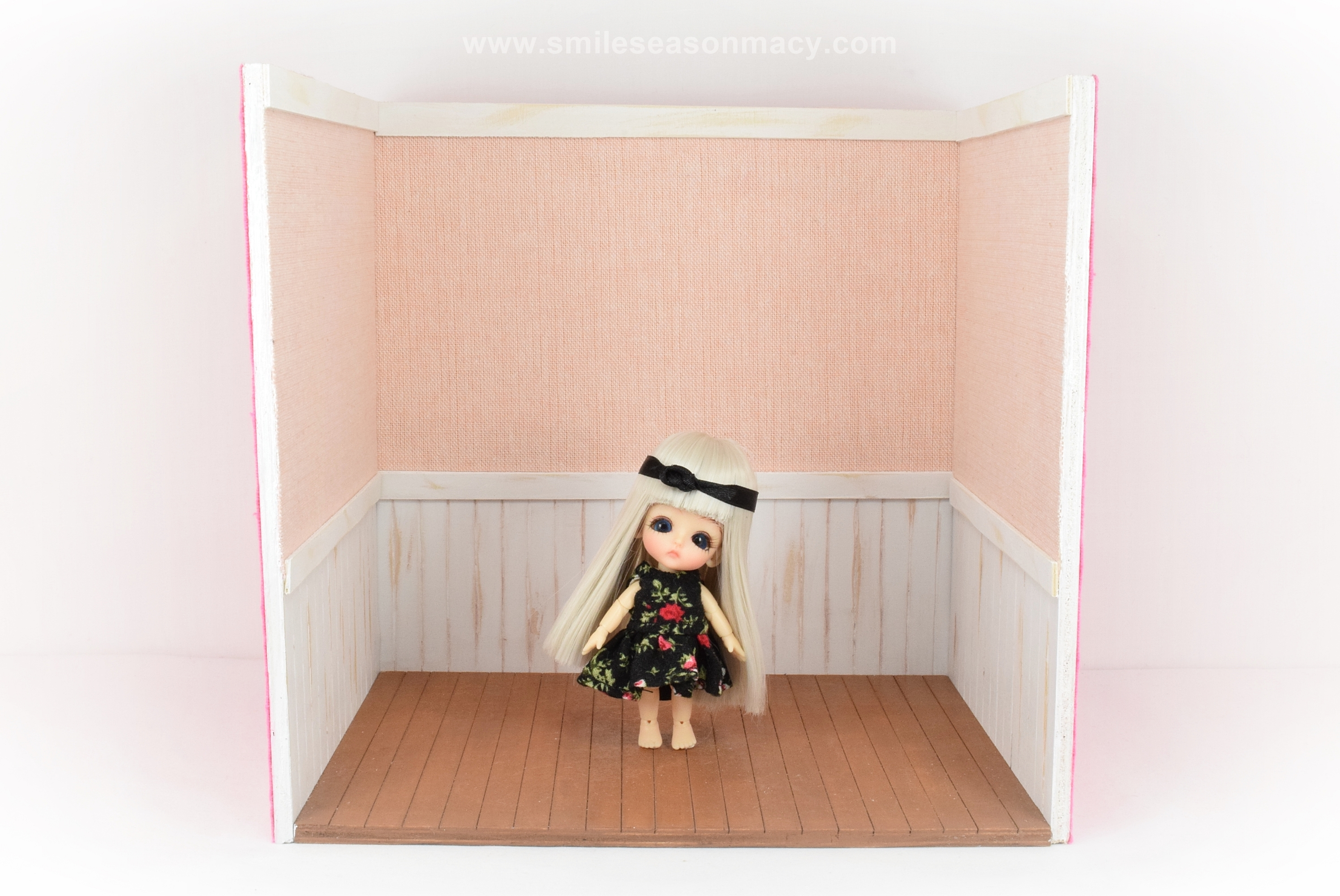 doll house_about 224 x 156 x 212mm (2)